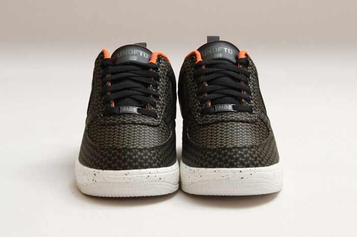 UNDEFEATED_NIKE_LUNAR_FORCE_2