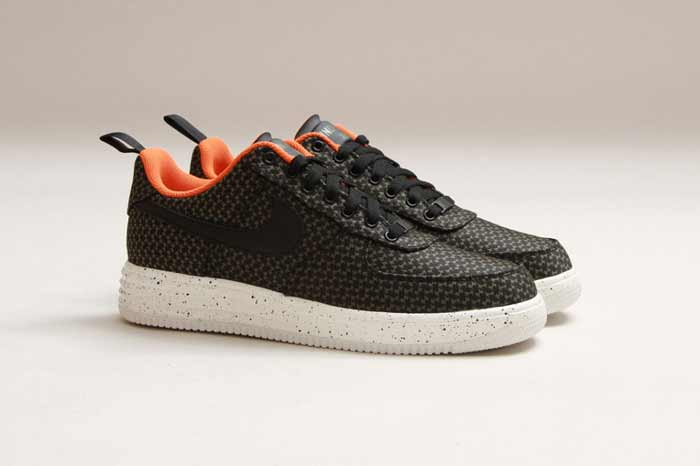 UNDEFEATED_NIKE_LUNAR_FORCE_4