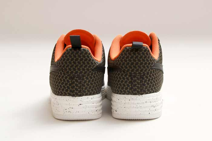 UNDEFEATED_NIKE_LUNAR_FORCE_8