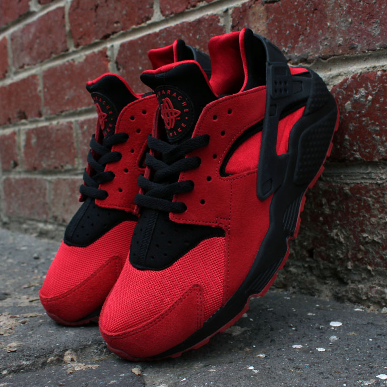 nike-air-huarache-love-hate-red-011