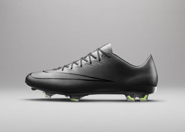 04_SU15_Nike_Black-Pack_24042015