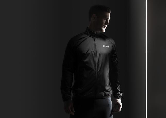 Su15_NSW_NikeFC_N98_Packable_Windbreaker_01_41222