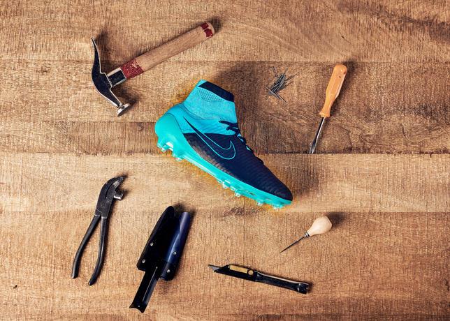 04_Nike_Tech Craft Football Boots_11082015