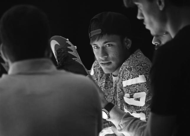 Nike_Neymar-Jordan_4_56446